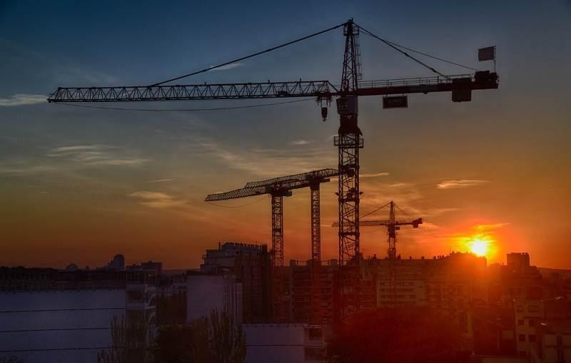 הממשלה קוראת לחברות בינלאומיות לבנות בישראל