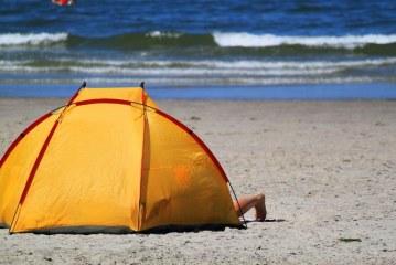 פונו מאהלים בלתי חוקיים מחופי הים בצפון